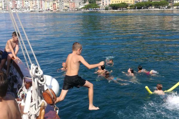 Diving and fun with the children