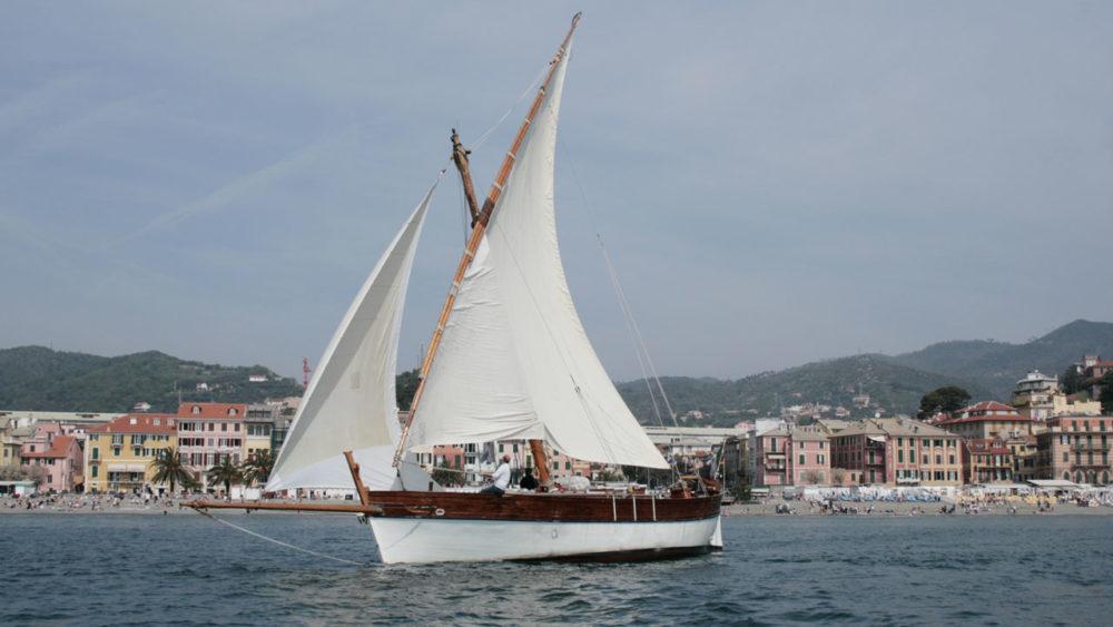 il leudo a vela latina