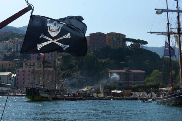 pirates to cadimare